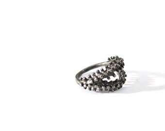 SALE ring a day : dots lips