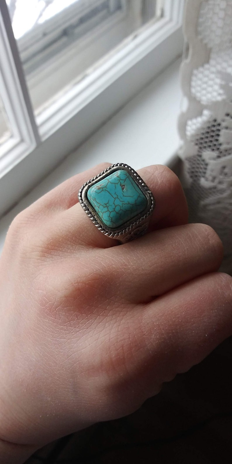 Statement Ring Turquoise Style Genuine Howlite That 70/'s Show Heavy Chunky Ring Stunning Gaudy Groovy Size 5 Bold Hippie Psychedelic