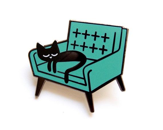 Cat Nap - Enamel brooch Badge