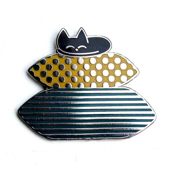 Cosy Cat - Enamel Pin Badge