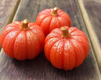 Pumpkin Soap, Halloween Soap, Mini Novelty Soaps, Halloween Decor, Glitter Soap, Trick or Treat, Jack O Lantern Soap, Autumn, Fall Decor