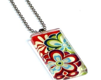retro flowers necklace pendant - glass and Japanese chiyogami - large peace flowers