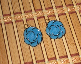 Vintage rosette blue pierced earrings