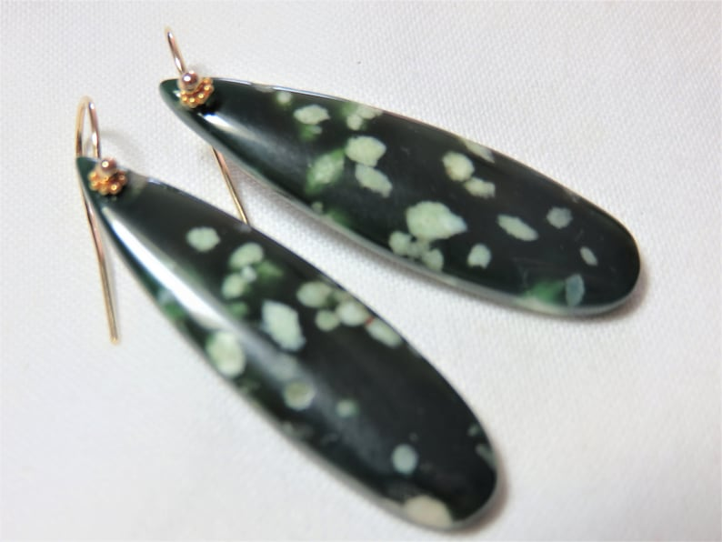 SALE 25/% OFF Natural Polished Green Smooth Mountain Jade Long Teardrops,18K Soild Yellow Gold Daisy Spacer /&14K Yellow Gold Earwires