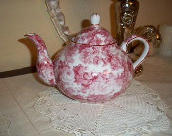 Porcelain Teapot toile pink/red Valentine serves 6 vintage NEW never used by myeuropeantouch on etsy