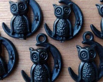 6 x VINTAGE Owl and Moon Plastic Gumball Vending Charms : BLACK