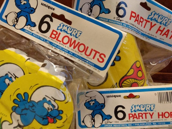 NEW  IN PACKAGE SMURFS 8  BLOWOUTS PARTY SUPPLIES