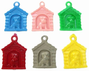 10 x Plastic Doghouse Charms, new old stock