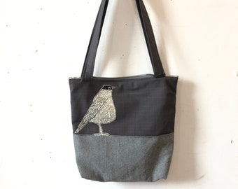 Freehand Machine Stitched American Robin Zipper top tote bag