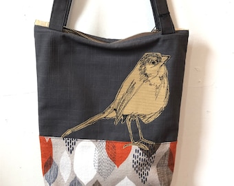 Freehand Machine Stitched European Robin  Zipper top tote bag