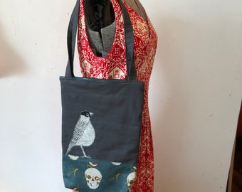 Freehand Machine Stitched Dark American Robin tote bag