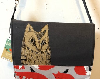 Western Screech Owl, freehand machine stitched drawn,messenger bag, adjustable strap, freehand machine stitched bird, Fox and Crow canvas
