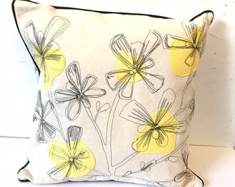 Purslane freehand machine drawn Pillow, Mid-Century Modern, Thread Drawn, Canvas, Felt Appliqué , Decor Pillow