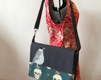 American Robin, freehand machine stitched drawn  messenger bag, adjustable strap, freehand machine stitched bird, with free accessory