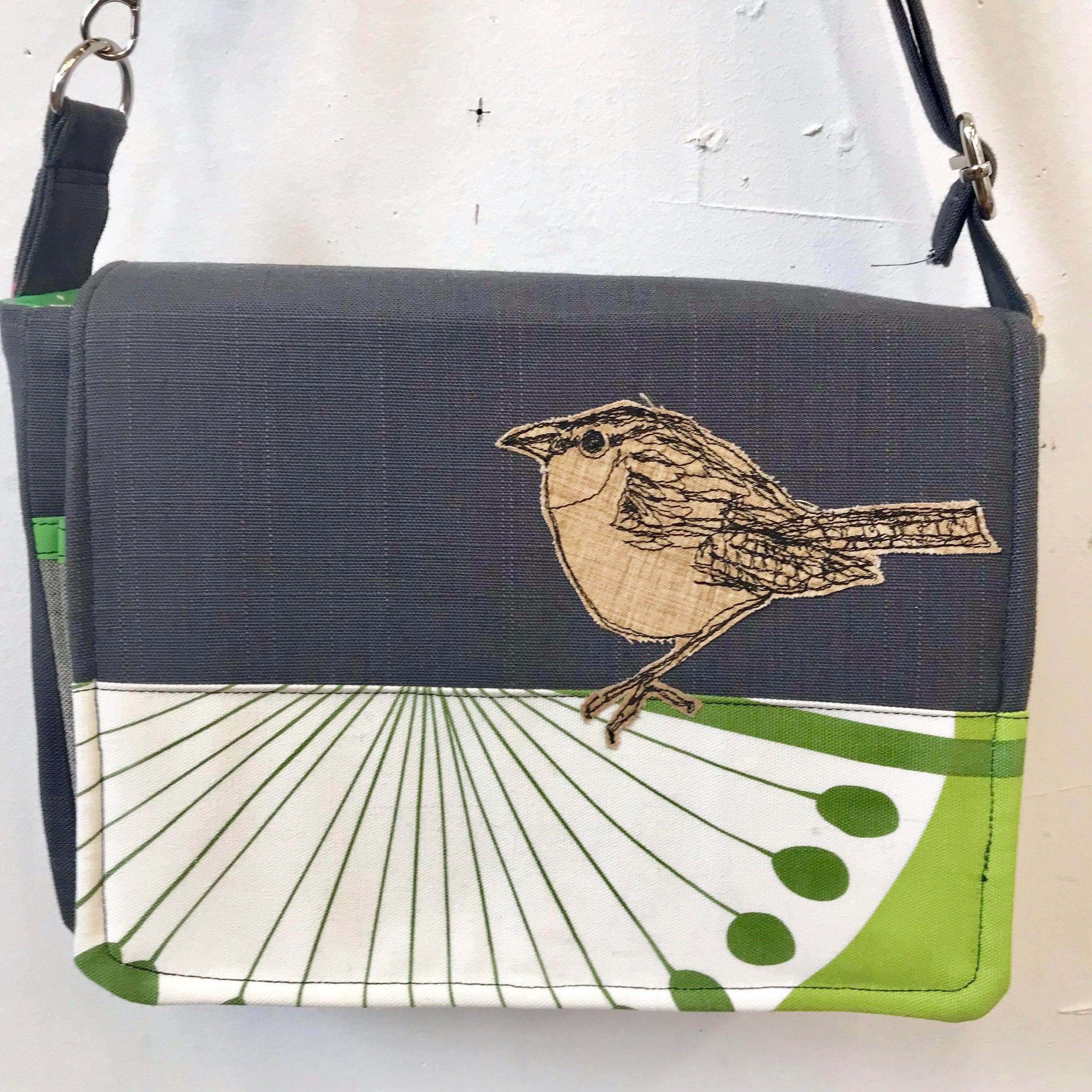 Carolina Wren freehand machine stitched drawn small