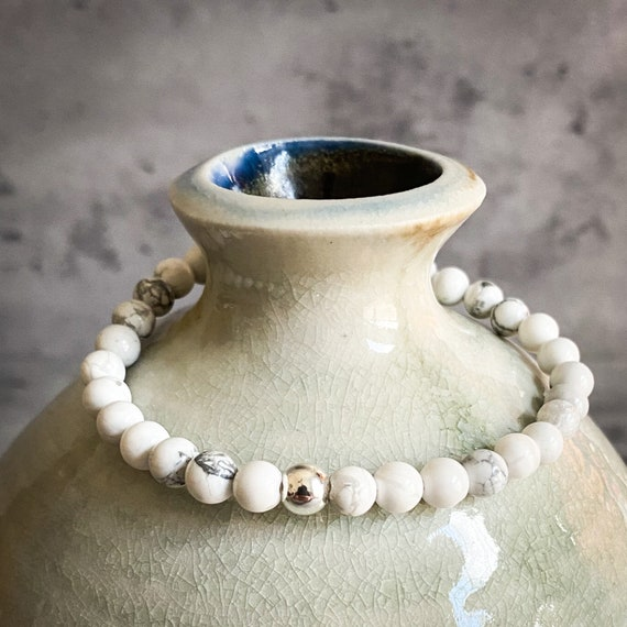 White Howlite Stretch Bracelet
