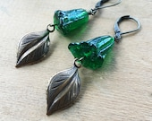 Woodland Earrings / Green Floral Beads / Nature Inspired Jewelry / Leaf Earrings / Botanical Earrings / Fall Leaf Earrings / Woodland Forest