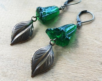 Woodland Earrings / Green Floral Beads / Nature Inspired Jewelry / Leaf Earrings / Botanical Earrings / Fall Leaf Earrings / Woodland Forest