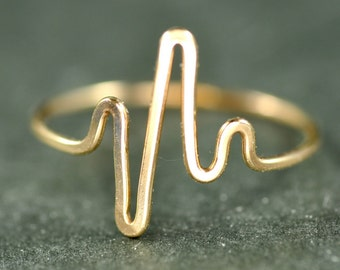 solid 14k gold Heartbeat Ring - EKG Heart Beat ring - midi ring - knuckle ring