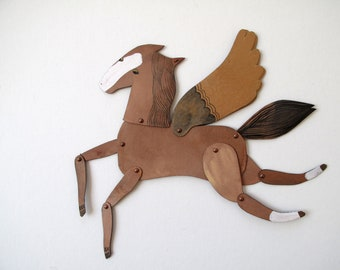 Chestnut / Winged Horse Articulated Decoration