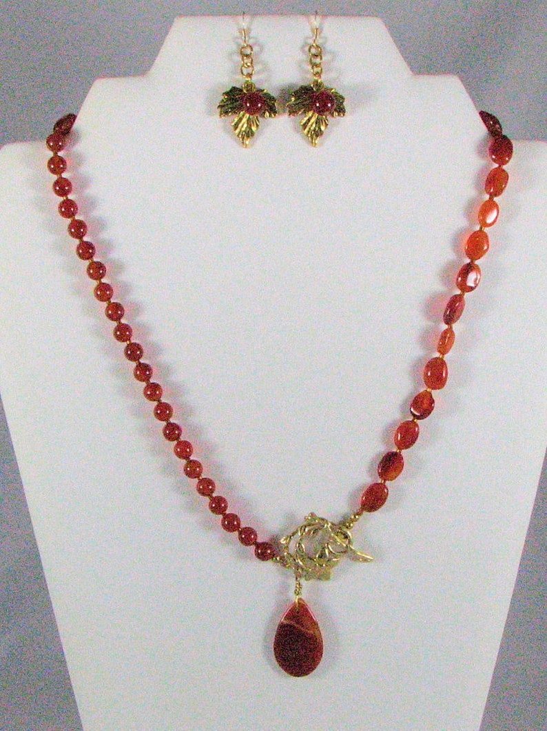 Carnelian Pendant Necklace with Earrings