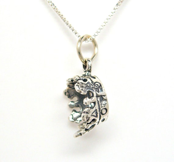 .925 Sterling Silver 3-D CROWN With SCEPTER Charm Princess Pendant lp4021