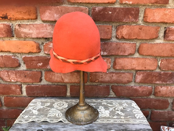 1920s Lady Supreme Orange Wool Cloche Hat - image 3
