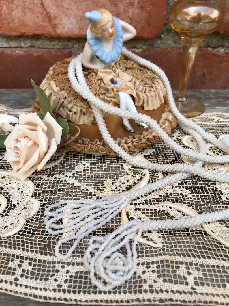 White Micro Beaded Flapper Lariat Sautoir Necklace