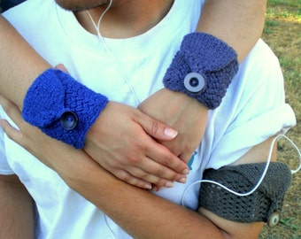 Handmade Knit Cuff Wallet Case (for iPod, MP3, Cell Phone, Id, etc.) Basic Cuff Wrist Wallet