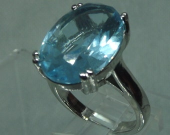 283387abc Beautiful Blue Topaz Solitaire Sterling Silver Ring -Size 7 3/4 - cocktail  ring