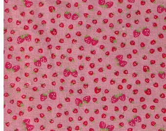 HALF YARD Yuwa - Mini and Petite Pink Strawberries on Pink 446559-B - Atsuko Matsuyama 30s collection - Linen Cotton Canvas - Perfect Zakka