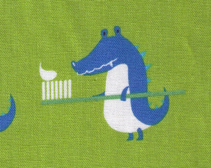 HALF YARD - Puti De Pome - Alligator Dentist - Toothbrush, Apple, Tooth, Crocodile - 85/15 Cotton/Linen Blend - Kiyohara - Japanese Import