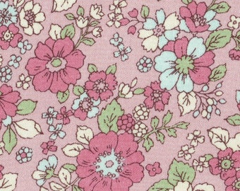 HALF YARD Lecien - Memoire a Paris Fall 2017 - Floral on PINK 40740-21 - Cotton Lawn - Flowers - Japanese Import