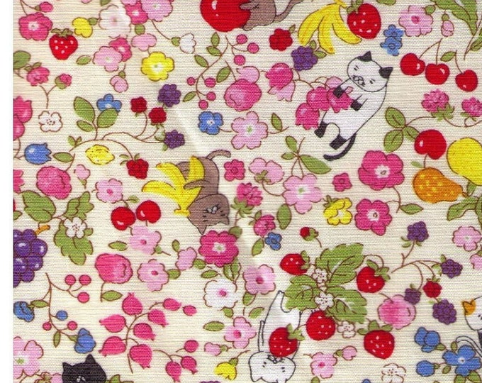 HALF YARD Kobayashi - Felines, Fruits and Flowers - White KTS6473-A - Project By Cotton - Cat, Kitten, Kitty, Strawberry, Banana, Apple