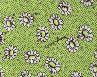 HALF YARD Yuwa - White Daisies on Lime Green Basket Weave - Suzuko Koseki SZ826434-C - Japanese Import Fabric - Floral, Flower