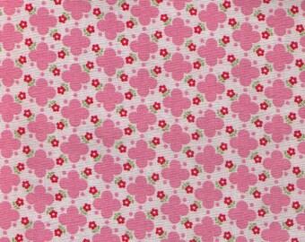 HALF YARD Yuwa - PINK Quatrefoil design with Mini Red Flowers - Atsuko Matsuyama 30s collection 826275 A -  Japanese Import Fabric