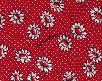 HALF YARD Yuwa - White Daisies on Red Basket Weave - Suzuko Koseki SZ826434-A - Japanese Import Fabric - Floral, Flower