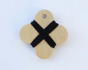 Cohana - Black - Wooden Thread Winder - Japanese Import