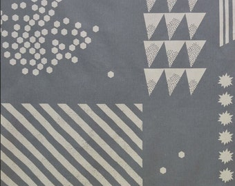 HALF YARD Kokka Echino - SHAPE Ekx97000-700B -  White on Grey - Lines, Geometric, Triangles, Hexagons, Starburst, Square - Cotton Linen