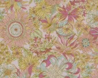 HALF Yard - Cosmo - Garden Delight II in PEACH - Lawn 92406-2A - Flower, Floral, Bouquet, Garden - Japanese Import