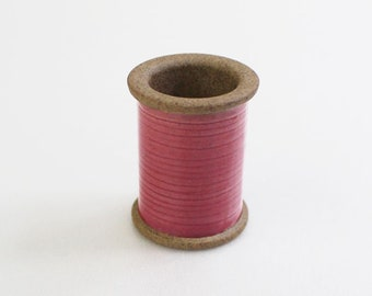 Cohana - PINK - Magnetic Spool Pin Holder of Hasami Ware - Japanese Import