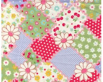 HALF YARD Yuwa - Pink Ric Rac Strawberry Green Cheater - Atsuko Matsuyama 30s 826252 C - Daisies, Cherries -  Japanese Import