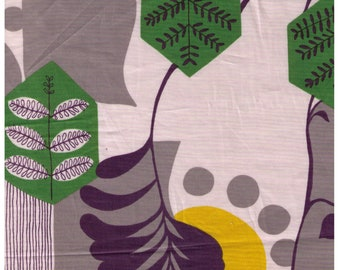Half Yard Kei - Kyoto Story - Modern Green Leaves, Yellow Dot, and Dark Navy Graphics on White - Flower, Garden - Japanese Import