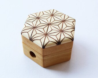 Cohana - WHITE - Natural Wood Color - Parquet Pencil Sharpener - Mosaic Woodwork of Hemp leaf -  Japanese Import