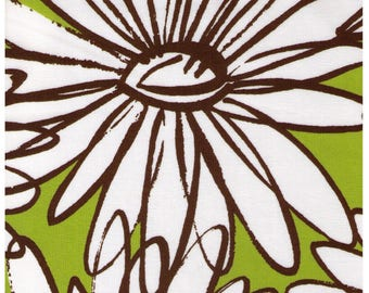 HALF YARD Yuwa - Extra Large Sketched Daisies on Green - Suzuko Koseki 826283-C - Flower, Floral, Large Scale - Japanese Import Fabric
