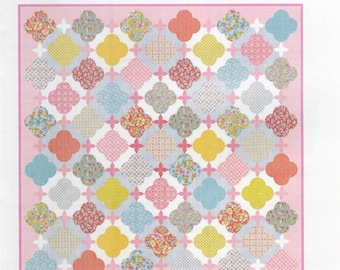 Sue Daley Designs - LATTICE ROSE English Paper Pieced Quilt - Includes Pattern, Paper Pieces, Acrylic Templates - Patchwork With Busyfingers