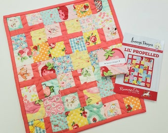 MINI QUILT KIT  - Lil' Propelled Quilt by Running Doe Quilts  - Atsuko Matsuyama -Japanese Import