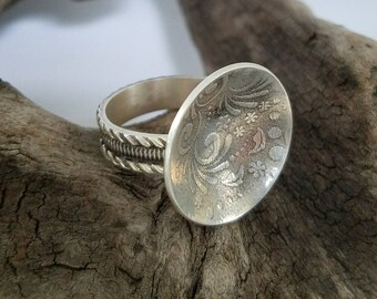 Patterned Domed Sterling Silver Ring - size 7.5