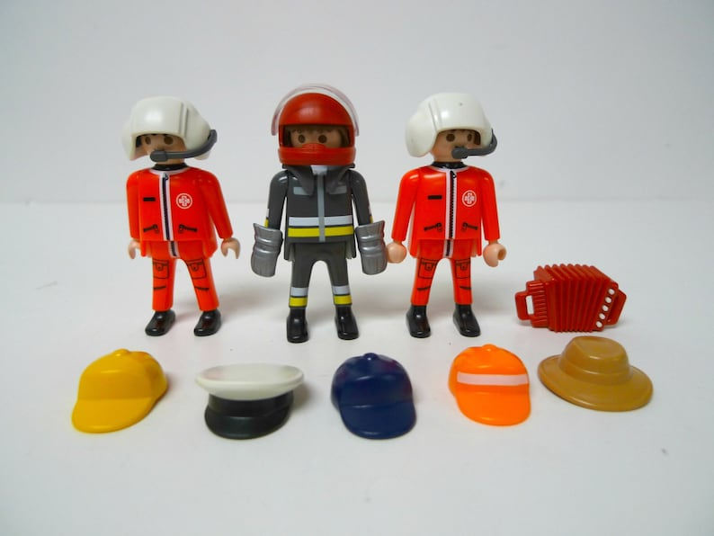 a3598ddcc0a 1997 Playmobil Geobra figures and accessories . assorted