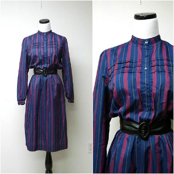 Nancy Greer . 70s secretary poly dress . size 10 .